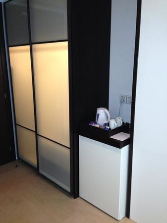 The Emporio Hotel: lit closet w safe (ours had low battery)