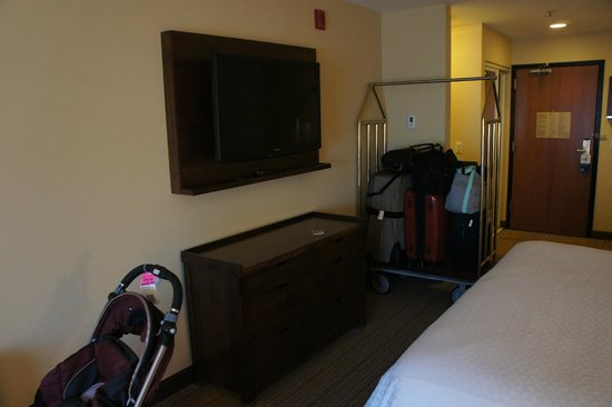 Four Points By Sheraton San Francisco Airport: TV