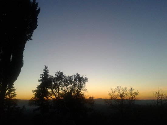 Il Paluffo - Main House B&amp;B: Altro tramonto
