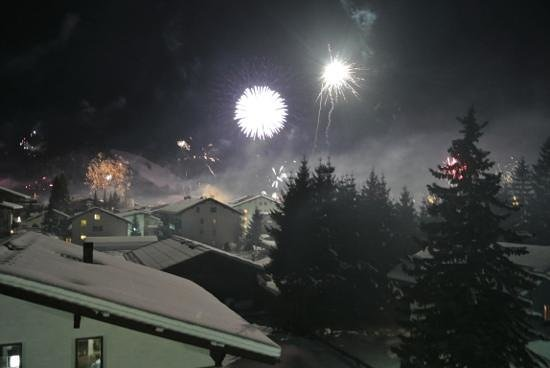 Hotel Helga: Fuochi d'artificio di Capodanno visti dalla camera 31