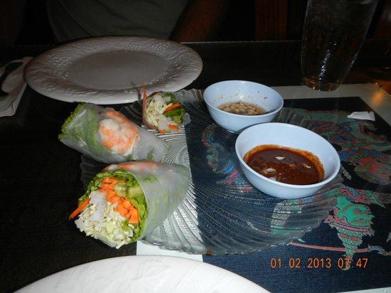 , : summer rolls with shrimp