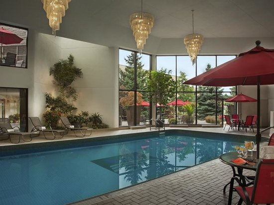 White Oaks Conference Resort & Spa: Pool and Jacuzzi