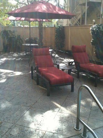 Hampton Inn Garden District - St. Charles Avenue: Deck of Pool