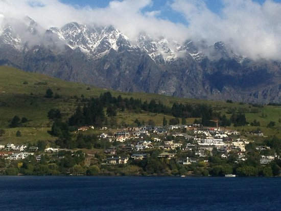 Villa Del Lago: The Remarkables from the balcony