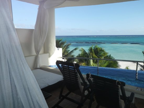 El Dorado Maroma, a Beachfront Resort, by Karisma: View of the balcony!