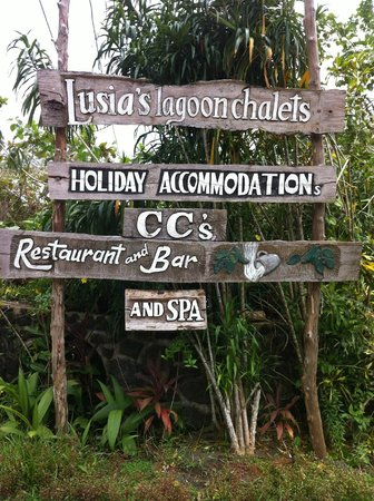 Lusia's Lagoon Chalets: Look for the sign!!!