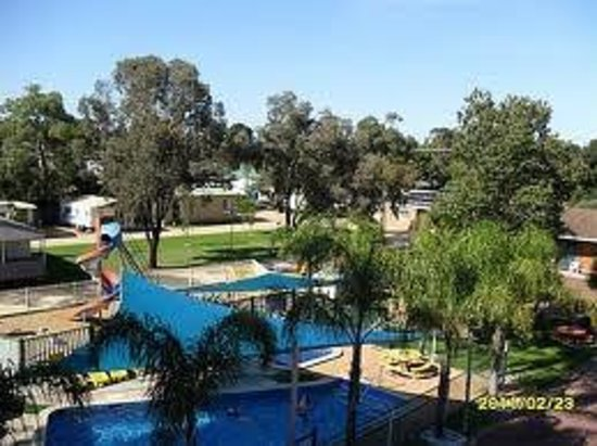 Nathalia Motel and Holiday Park: Motel and Cabins and Camping