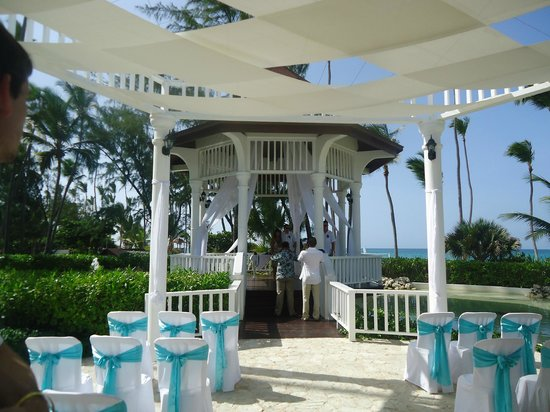 Grand Palladium Palace Resort, Spa & Casino: our group wedding....beautiful