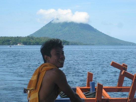 Bunaken Cha Cha Nature Resort: Anton - dive master and boat driver