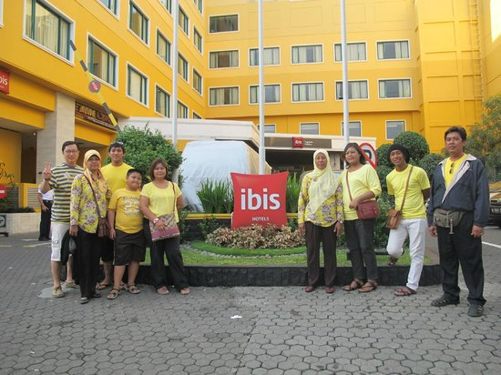 Hotel Ibis Yogyakarta Malioboro: Front view of the hotel