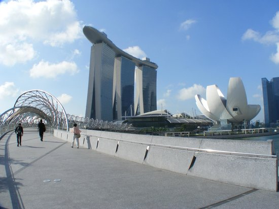 First Time to Singapore: Where Should I Stay?