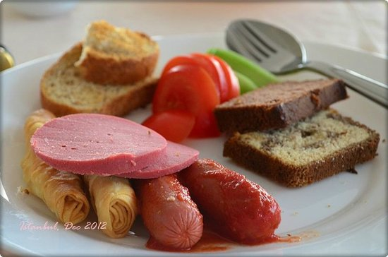 Cosmopolitan Park Hotel: Typical Turkish Breakfast