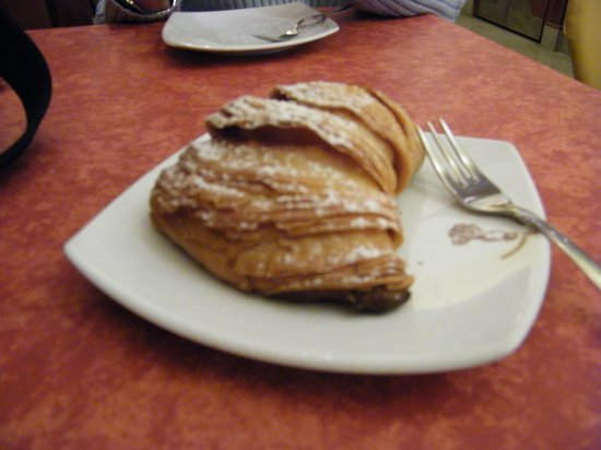 Antiche Mura Hotel: sfogliatella