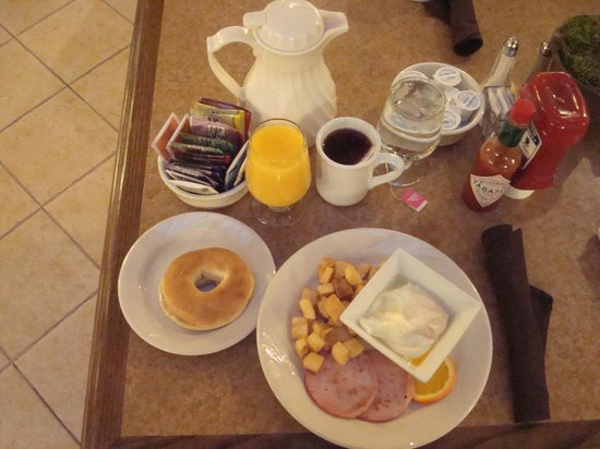 Holiday Inn Rapid City - Rushmore Plaza: Breakfast