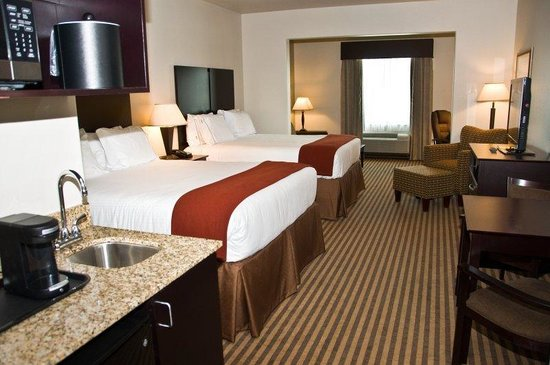 Holiday Inn Express & Suites Heber Springs: Queen Bed Guest Room