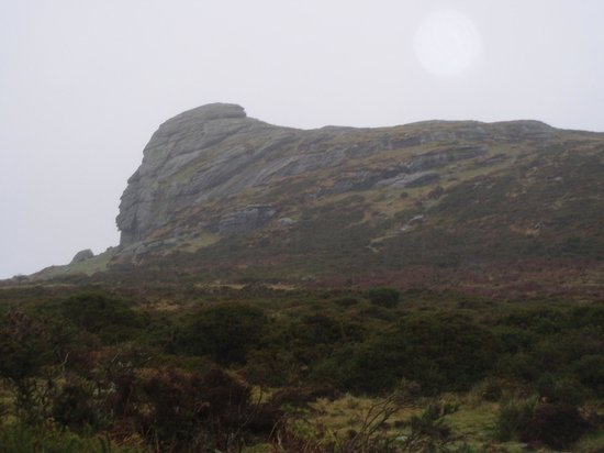 Ilsington, UK: Haytor on a rainy wonderful holiday!