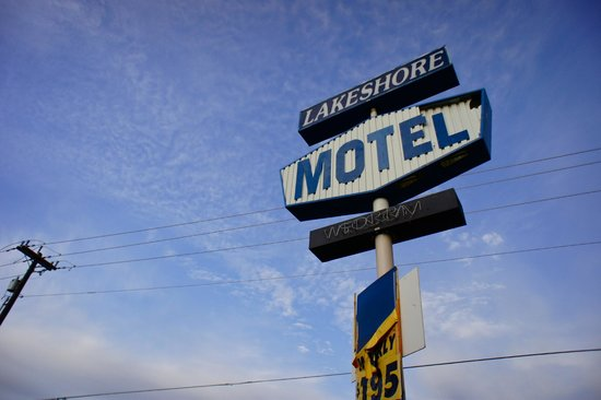 Lake Shore Resorts Motel