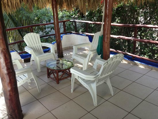 Luna Blue Hotel: Private/secluded area for tower room