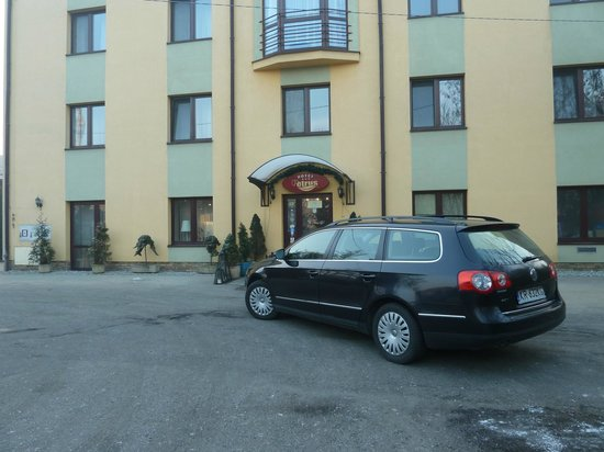 Petrus Hotel: The car use for trips
