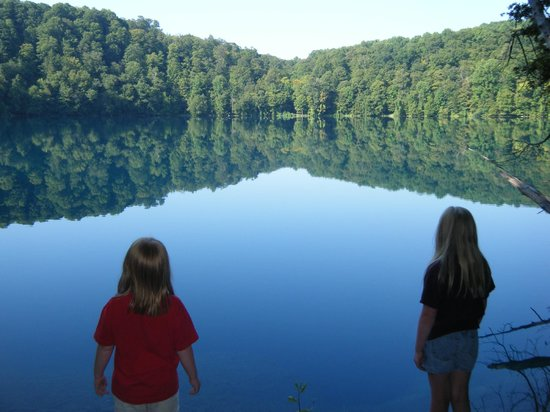 Green Lakes State Park: Beauty abounds