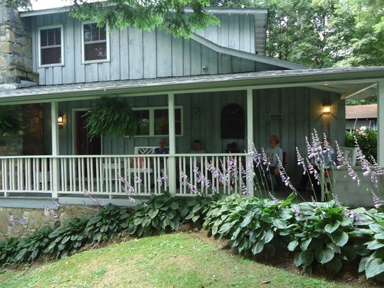 Spears picture of linville falls lodge cottages for Linville falls cabin rentals