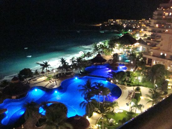 Fiesta Americana Grand Coral Beach Resort & Spa: Evening View of the Pools from Master Suite Balcony
