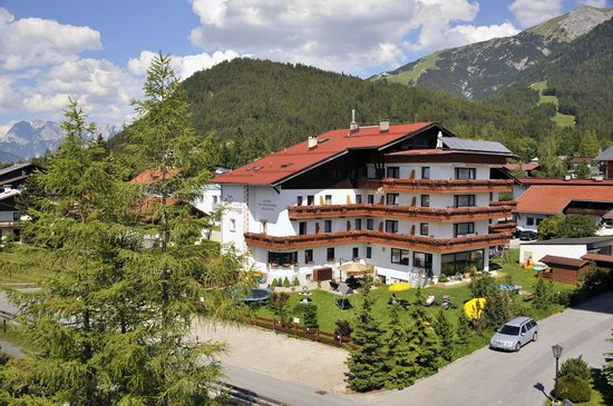 Photo of Hotel Schonegg Seefeld
