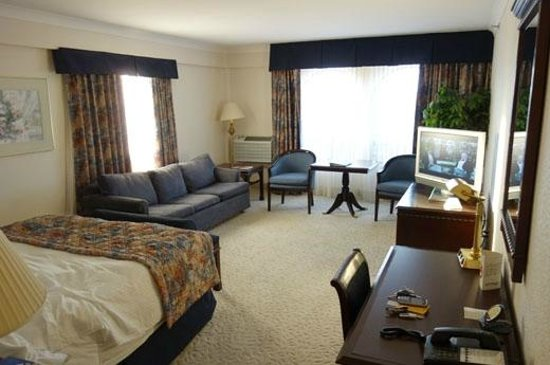 Fredericton Inn: the perfect suite - top floor