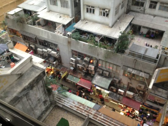 Lodgewood by L'hotel Wanchai: view from downstairs- from where i heard unwelcomed sound effects at 4am one night..dreadful.