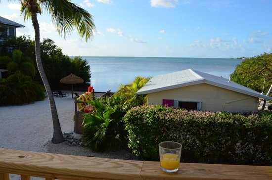 Conch Key Cottages: Glass of freshly squeezed OJ on the deck