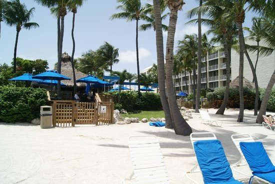 Hampton Inn and Suites Islamorada: Outside I