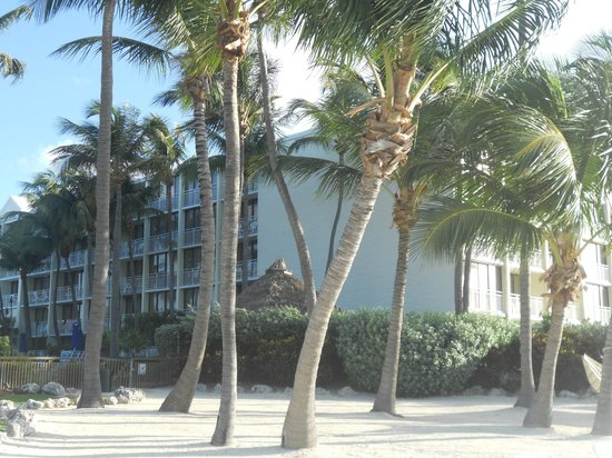 Hampton Inn and Suites Islamorada: Outside II