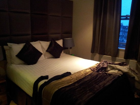 Grand Plaza Serviced Apartments: Double bed