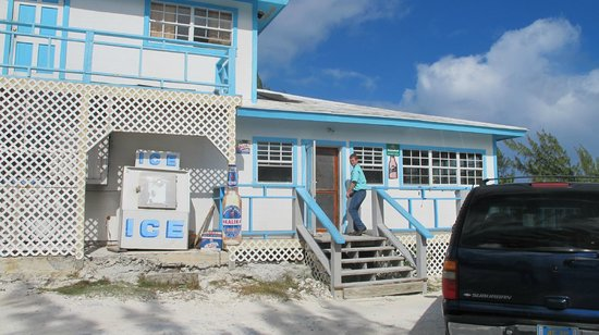 George Town, Great Exuma: Entrance to Houseman's