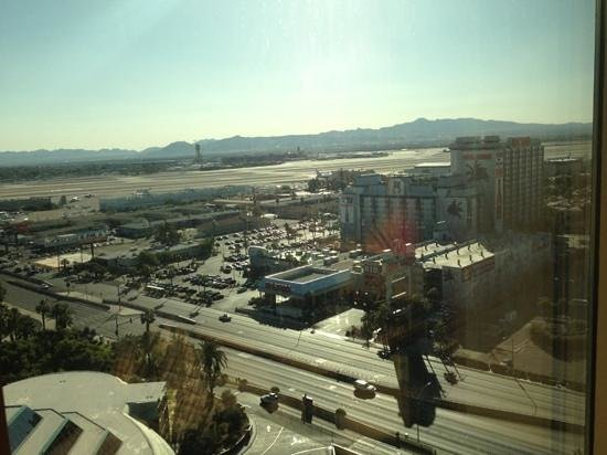 Hotel with airport view las vegas