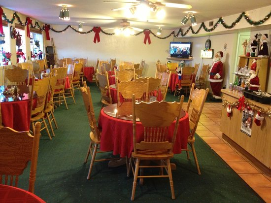 Antonito, CO: Christmas time at Dos Hermanas