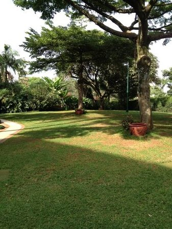 Nairobi Serena Hotel: giardino