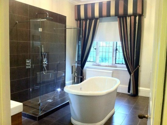 The Bath Is Amazing But Takes Some Filling Picture Of Moxhull Hall Sutton Coldfield Tripadvisor