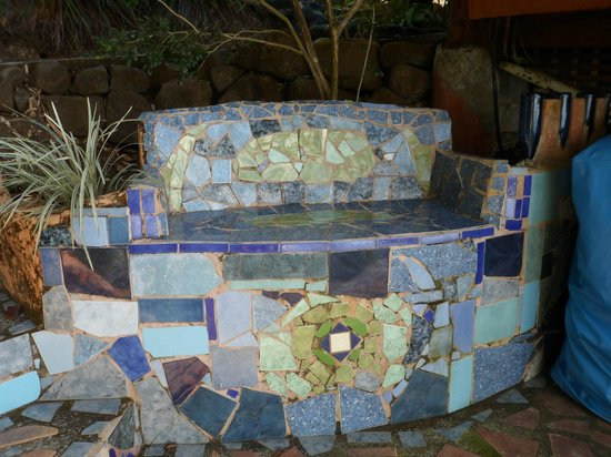 Montezuma Heights: cool bench in the laundry area