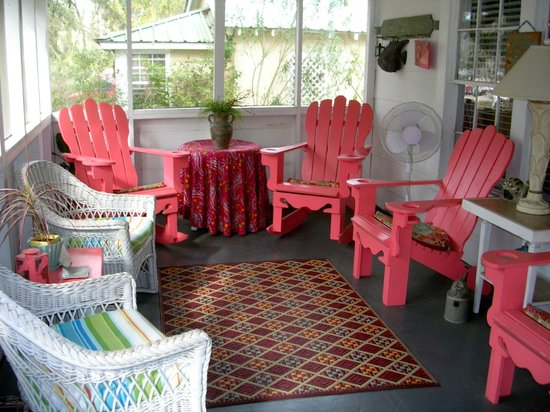 The Old Carrabelle Hotel: Front porch