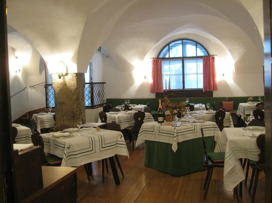 Hotel Goldener Hirsch, a Luxury Collection Hotel, Salzburg: Charming restaurant