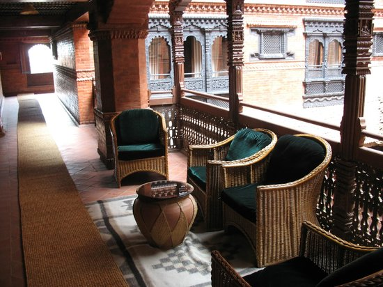 Kantipur Temple House: Second floor balcony and atrium