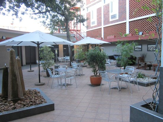 Protea Hotel Thuringerhof: il cortile