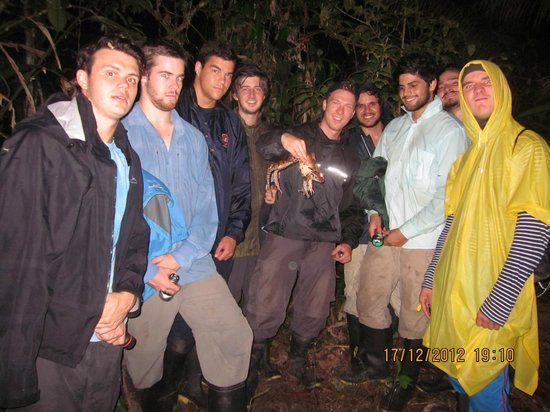The Amazon Jungle Guide: Bullfrog and group