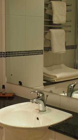 BEST WESTERN PLUS Bruntsfield: Bathroom