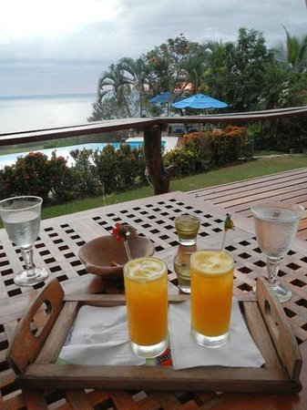 Playa San Miguel, Costa Rica: drinks at sunset