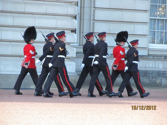 Photos of Changing of the Guard, London
