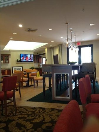 Hampton Inn &amp; Suites Miami-Doral/Dolphin Mall : lobby area