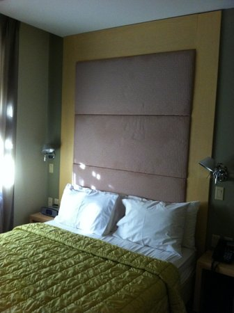 Hotel East Houston : O quarto