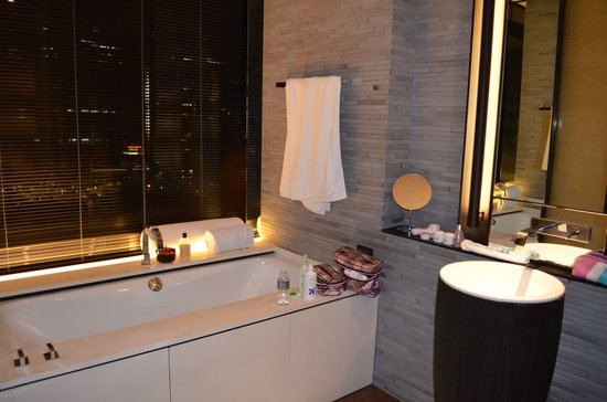 The PuLi Hotel and Spa: room